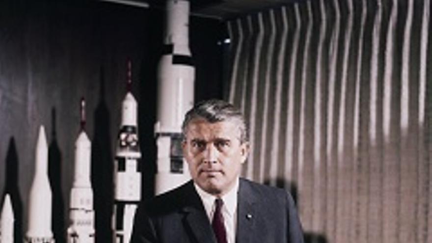 Wernher von Braun, diseñador de las bombas V2 y de los cohetes del Programa Apolo