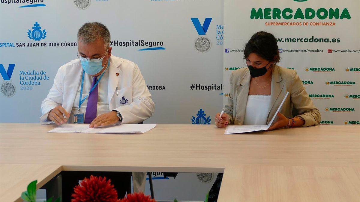 Firma del acuerdo entre San Juan de Dios y Mercadona.