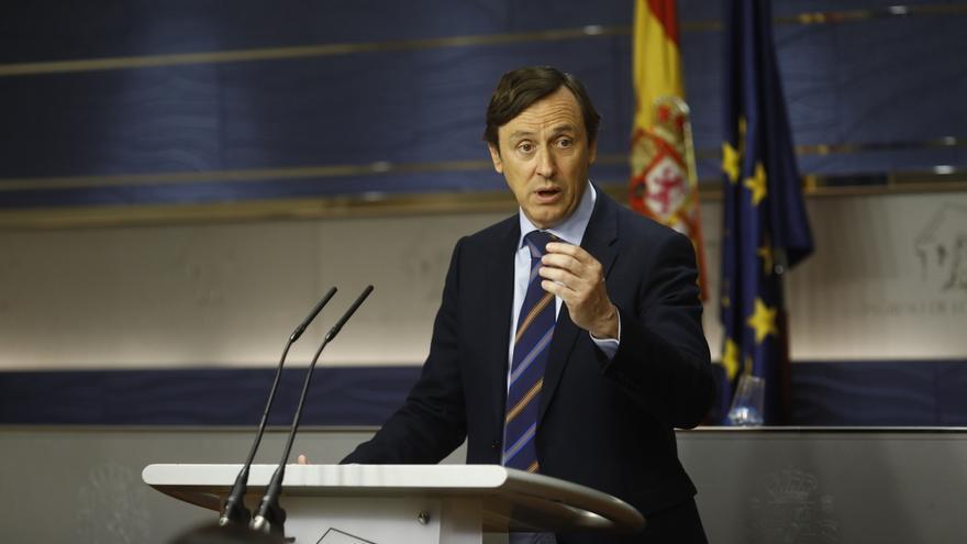 """El PP dice que Podemos hace el """"ridículo"""" con la moción de censura contra Rajoy: """"España no está para charlotadas"""""""