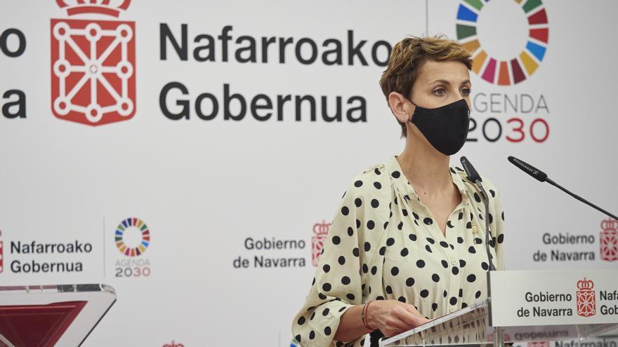 Archivo - La presidenta del Gobierno de Navarra, María Chivite, en una rueda de prensa.