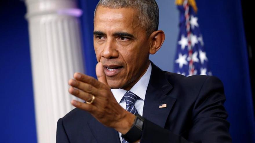 Obama dice que le había pedido a Putin frenar el pirateo informático contra EE.UU.
