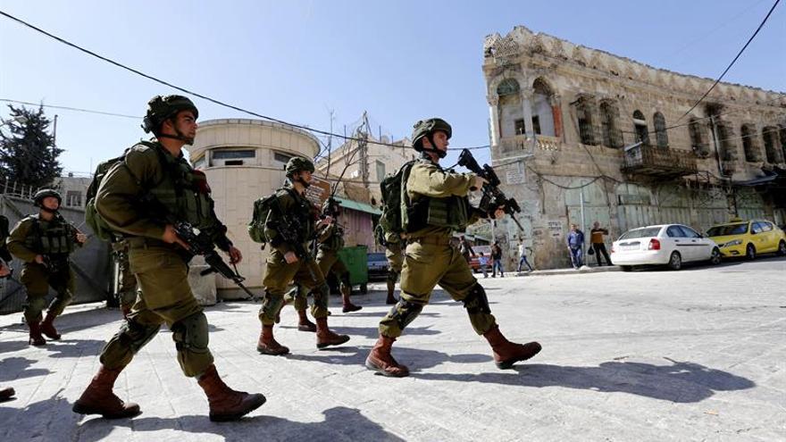 Muere un palestino por fuego israelí en intento de atropello y ataque un con cuchillo