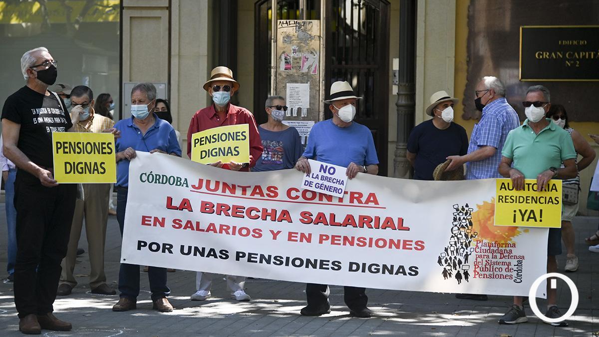 Imagen de una protesta reciente de los pensionistas en Córdoba.