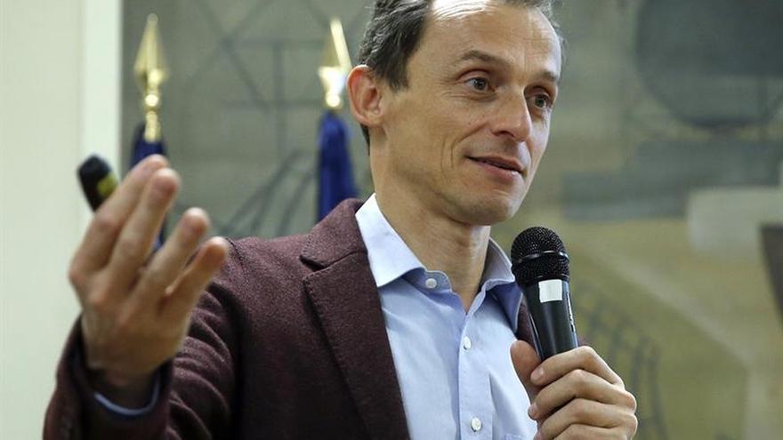El astronauta Pedro Duque regresa a su colegio de Ciudad Lineal