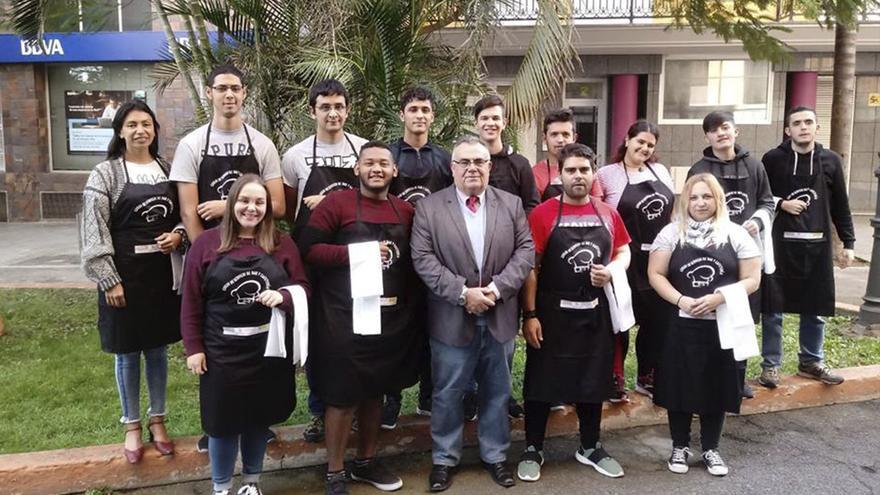 Un rupo de alumnos de la Academia Canarias.