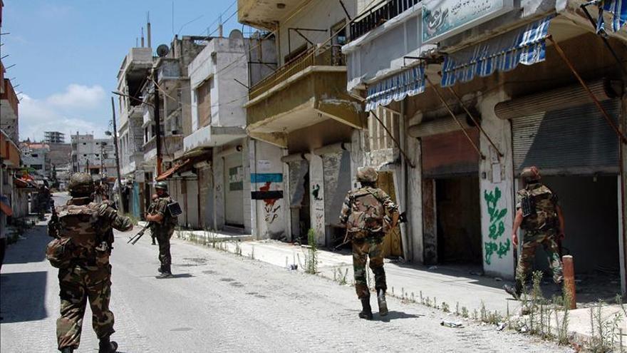 Mueren 31 militares sirios en un ataque contra un edificio del ejército