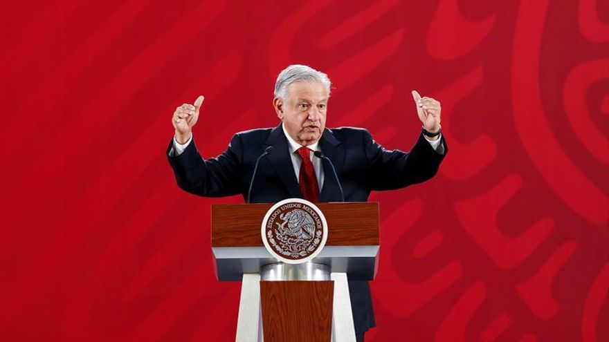 Presidente mexicano pidió a rey de España que disculpa sea en un acto público