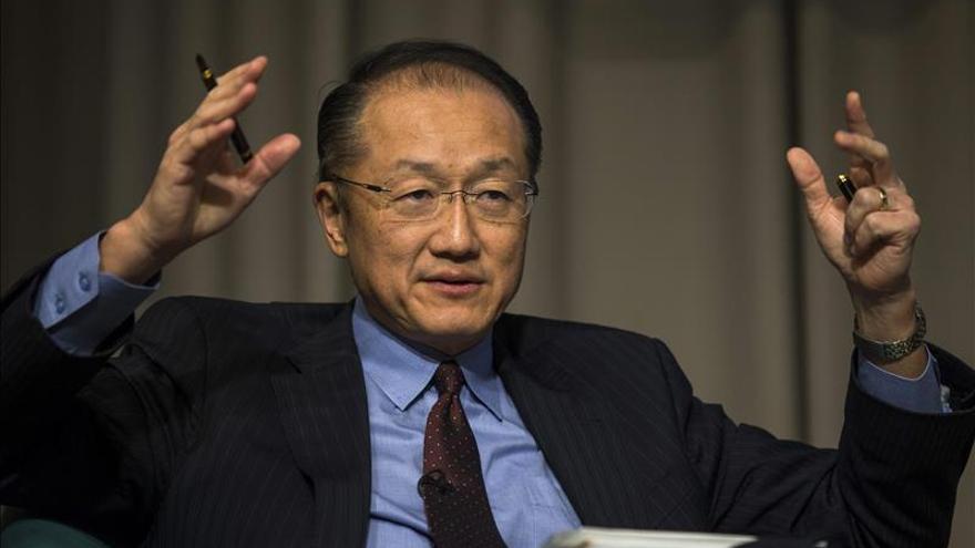 El presidente del Banco Mundial valora el aumento de la inversión de Perú en educación