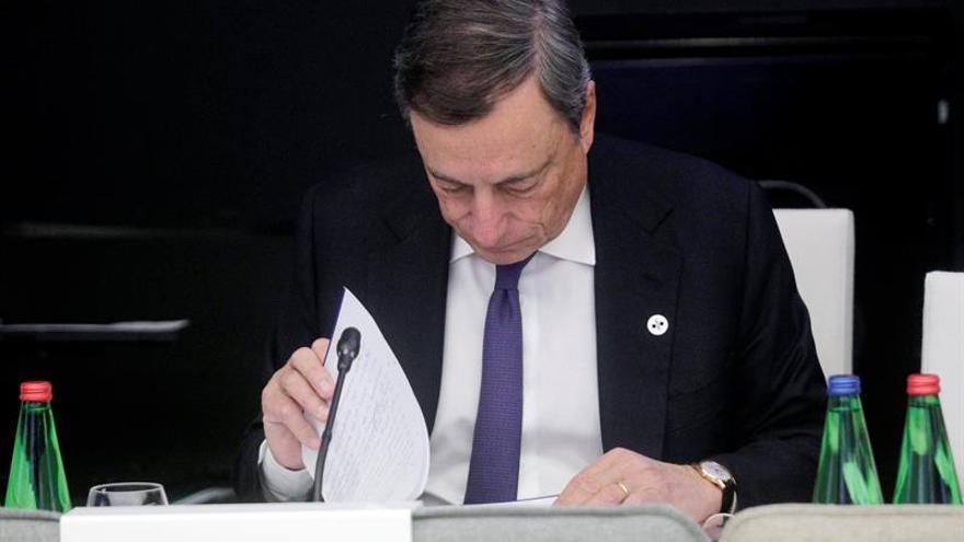 Draghi insta a atajar el desempleo juvenil para defender el proyecto europeo