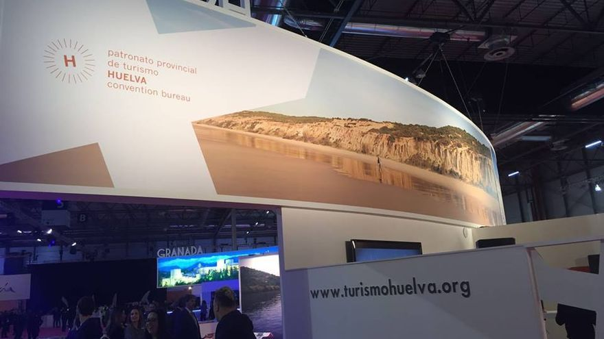 Parte del stand de Turismo de Huelva en Fitur