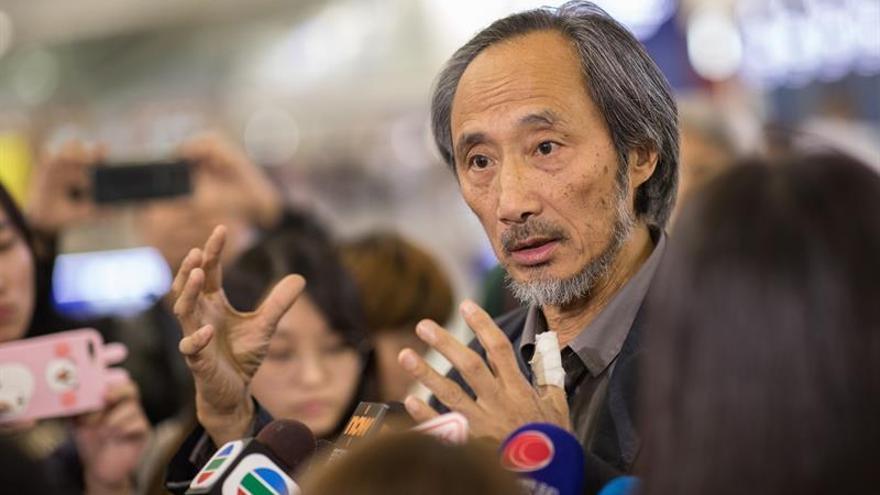 Escritor exiliado chino lamenta error entre su nombre y viceministro corrupto