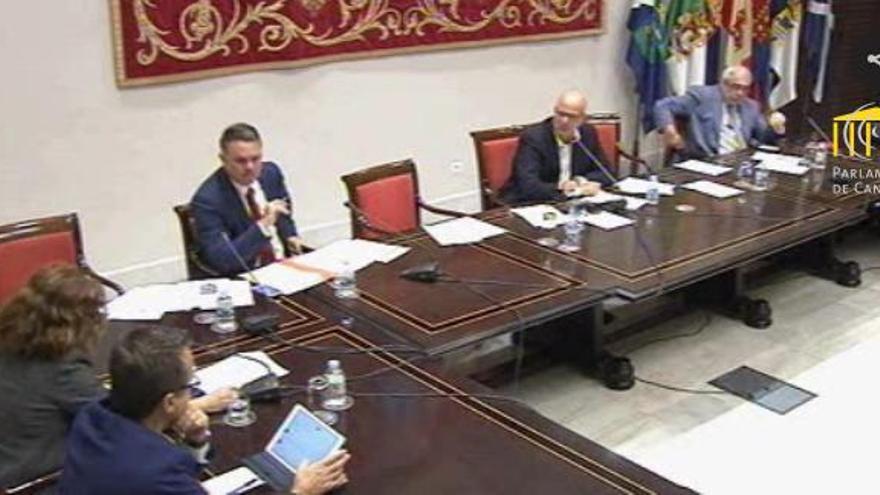 Comisión de seguimiento de la RTVC en el Parlamento de Canarias.
