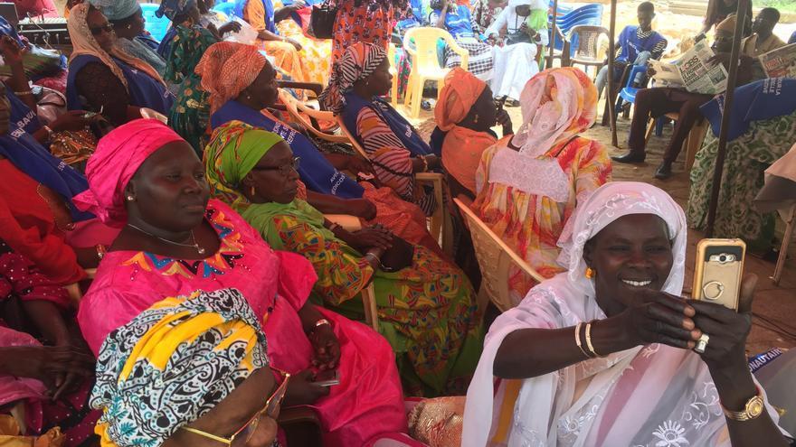 Madrinas de barrio, en un centro de maternidad en Dakar, (Senegal).