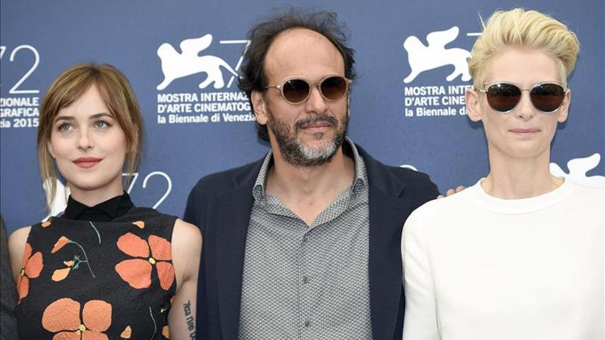 """Abucheos en Venecia para """"A bigger splash"""" y aplausos para Fiennes y Swinton"""