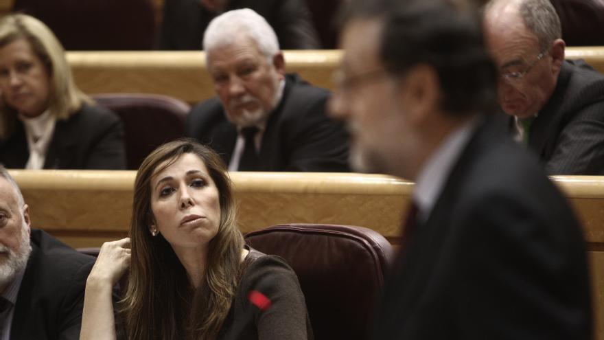 """Camacho ve """"respetable"""" la opinión de Aznar pero defiende el trabajo de Rajoy"""