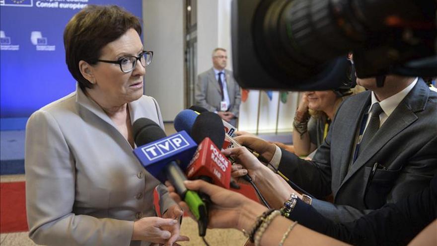 El Gobierno y la oposición de Polonia buscarán un consenso sobre la acogida de refugiados