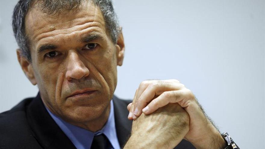 El presidente italiano convoca al economista Cottarelli ante la parálisis política