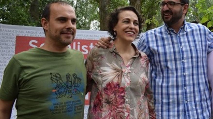 Pablo Bellido (izq,), junto a Magdalena Valerio y a Sergio Gutiérrez, número 2 del PSOE de Castilla-La Mancha