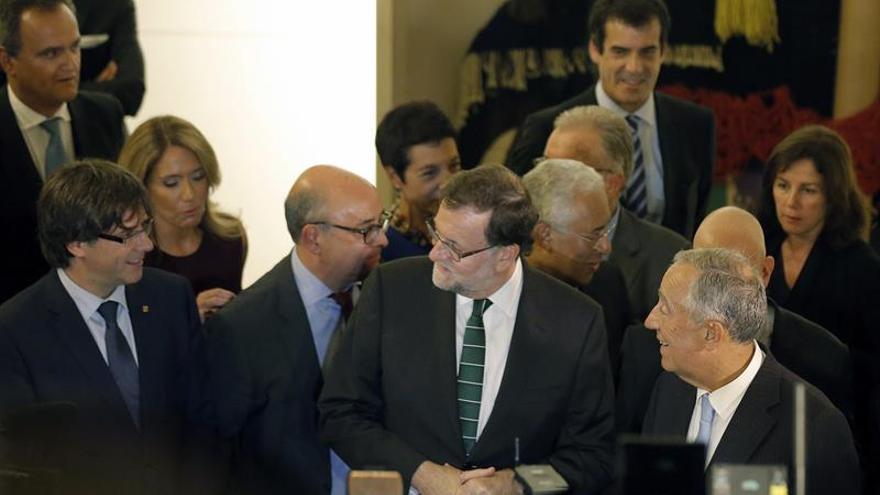 Puigdemont no se da por aludido por Rajoy y desea la misma relación que Portugal