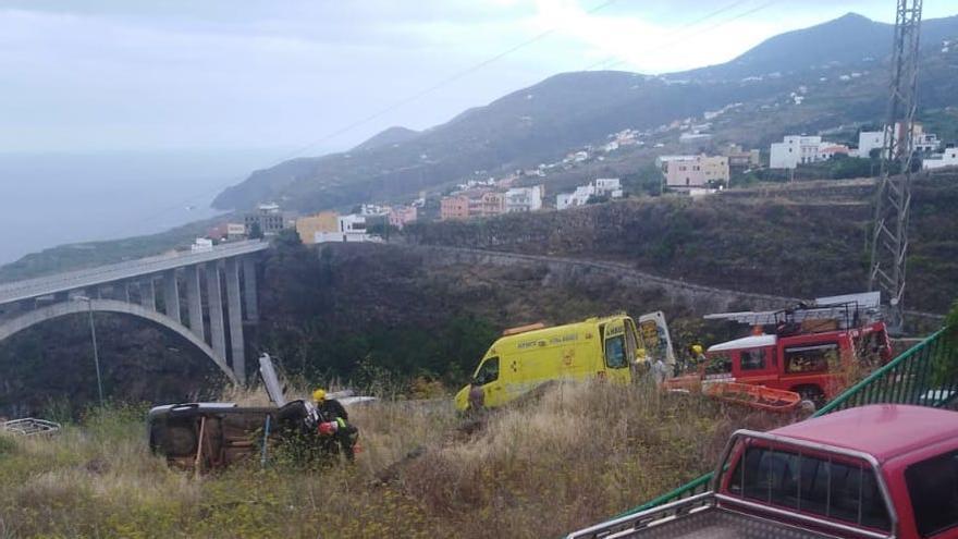 El accidente se ha producido cerca del puente de Los Sauces.