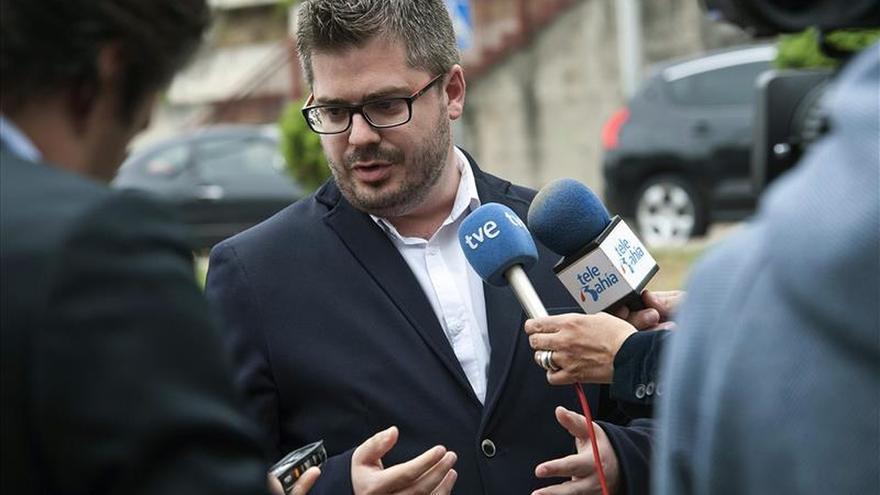 Fran Hervías, secretario de Organización de Ciudadanos, atiende a los medios