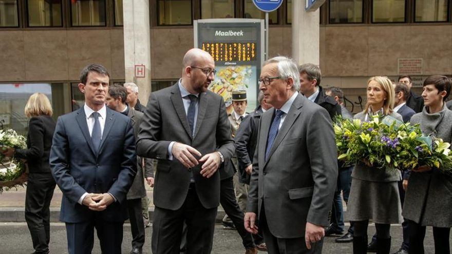 """Juncker cree """"nadie debe dar lecciones"""" a los servicios de seguridad belgas"""