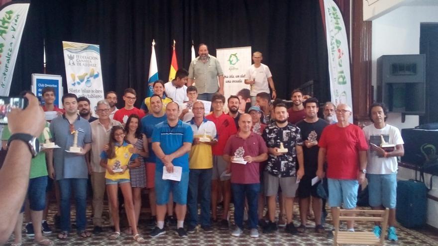 Acto de entrega de premios del 23 torneo de ajedrez 'Guanche de Plata' de Breña Alta.