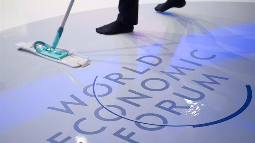 Foro de Davos publica una guía para reforzar colaboración en ciberseguridad