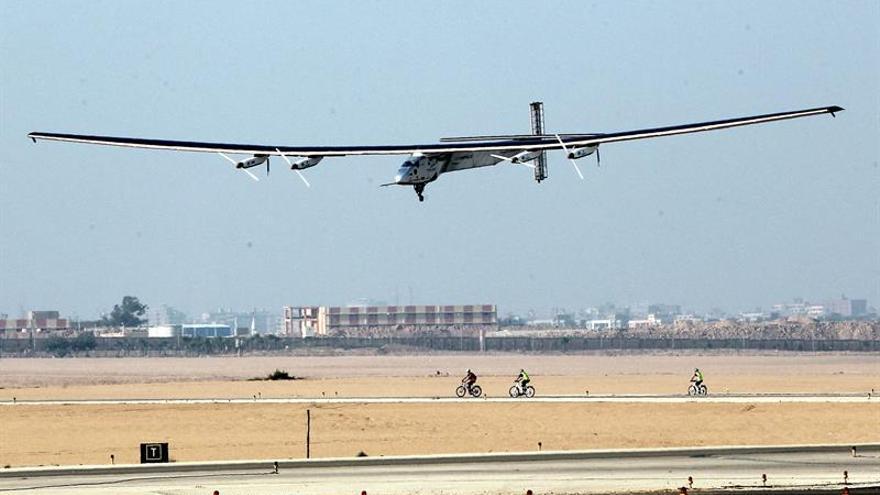 El avión Solar Impulse II sale esta noche de El Cairo en su última etapa