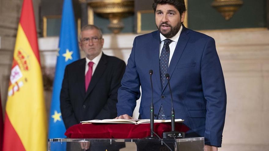Fernando López MIras tomando posesión del cargo como presidente de la Región de Murcia