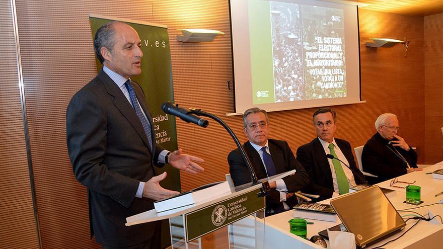 Francisco Camps, durante la presentación de su libro en la UCV