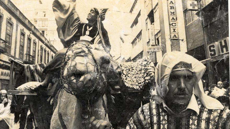 Foto antigua del Auto de Los Reyes Magos (Cabildo de Gran Canaria)