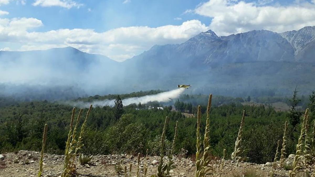 Después de 17 días, las llamas están controladas en El Bolsón. El incendio afectó a 10.000 hectáreas de la provincia de Río Negro.