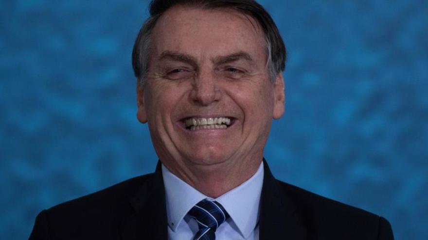 El Gobierno brasileño podrá bloquear celulares en áreas en torno a Bolsonaro