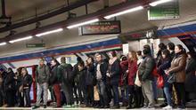 Metro de Madrid fracasa en su intento de reclutar maquinistas que hagan horas extra para reforzar el servicio