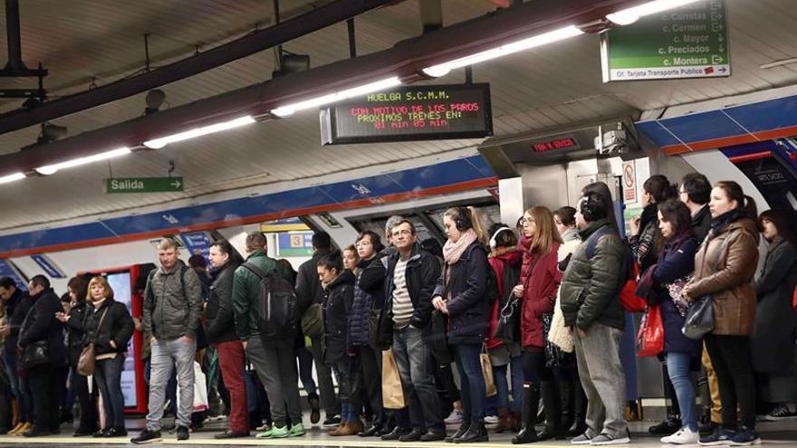 La segunda jornada de paros en el Metro de Madrid empieza a las 6.05 horas con mínimos del 70%
