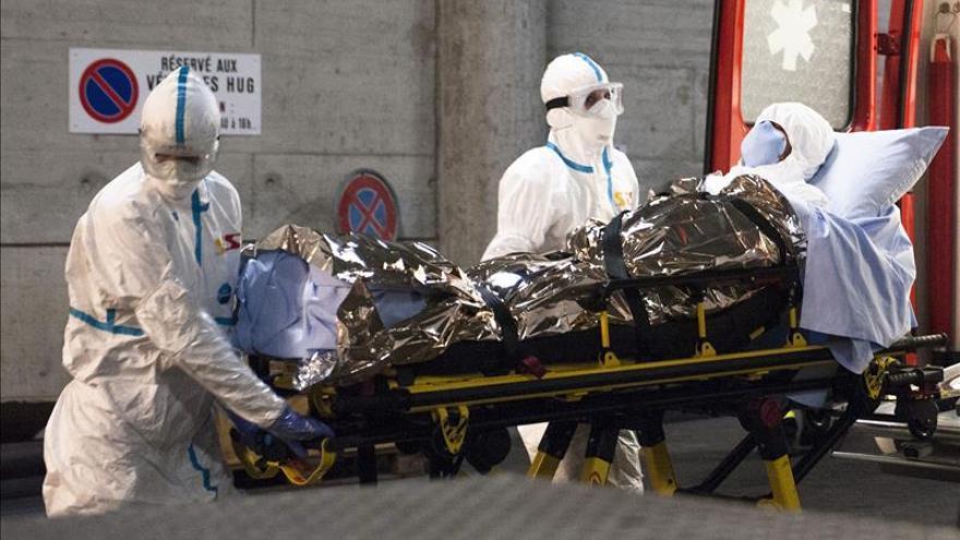 El médico cubano con ébola repatriado a Suiza se encuentra estable