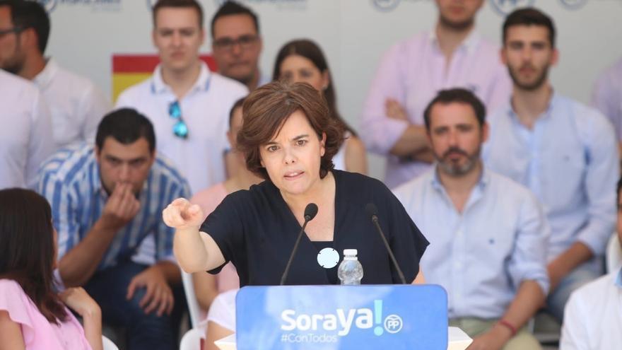 """Saénz de Santamaría: """"Me presento porque creo que puedo ganarle las elecciones a Pedro Sánchez"""""""