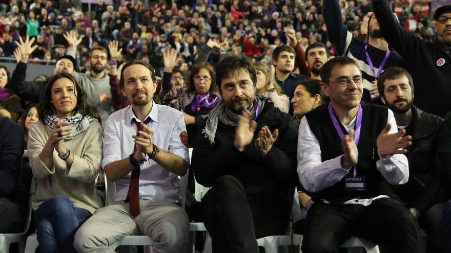 Irene Montero, Pablo Iglesias, Rafa Mayoral, Juan Carlos Monedero y Juanma del Olmo, durante Vistalegre II (2017).