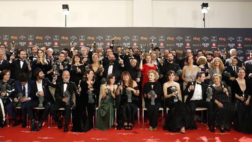 """Ceremonia de entrega 32 edición de los Premios Goya""""La librería"""" de Coixet vence por sorpresa en los Goya de los abanicos rojos"""