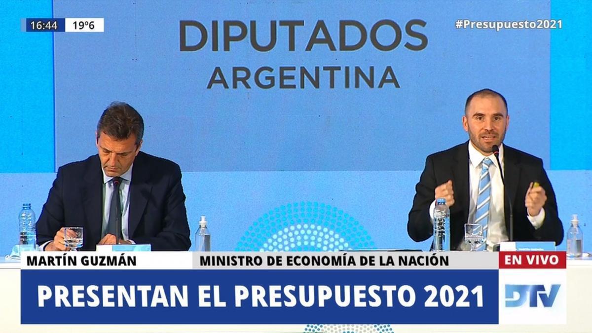 Sergio Massa y Martín Guzmán, durante la presentación del proyecto de Presupuesto 2021, el año pasado.