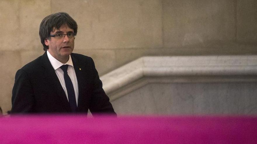 El colegio catal n de notarios expresa su lealtad y compromiso con la constituci n - Colegio de notarios de barcelona ...