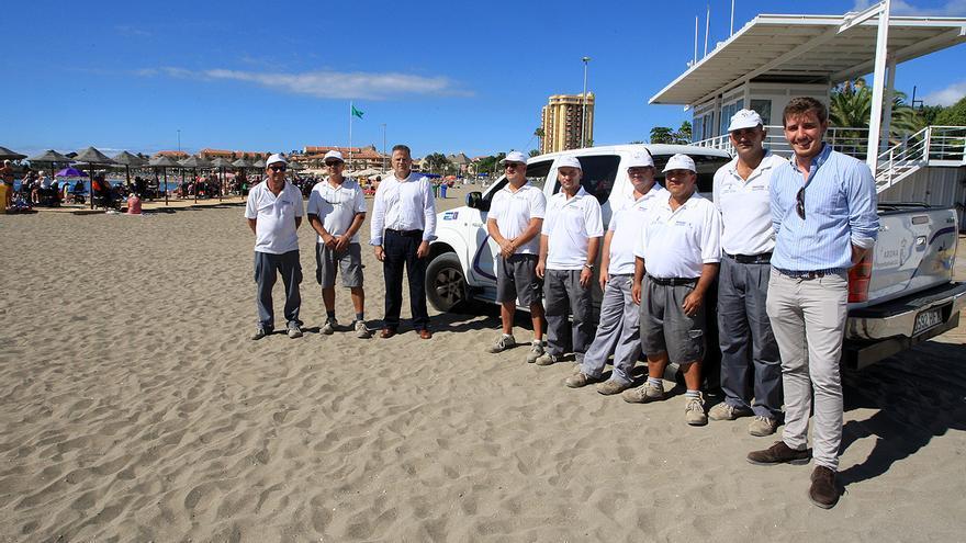 Servicio de mantenimiento de las playas de Arona.