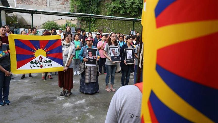 """China impide conmemoraciones a Liu Xiaobo con arrestos y """"viajes forzosos"""""""
