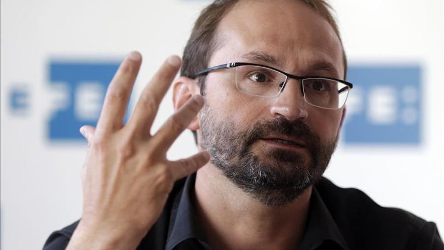 """Herrera prevé un """"asedio sin precedentes"""" sobre Colau y ve """"nerviosa"""" a CiU"""
