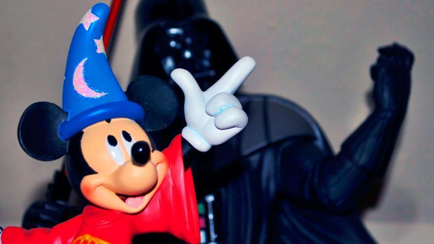 Mickey y Darth Vader