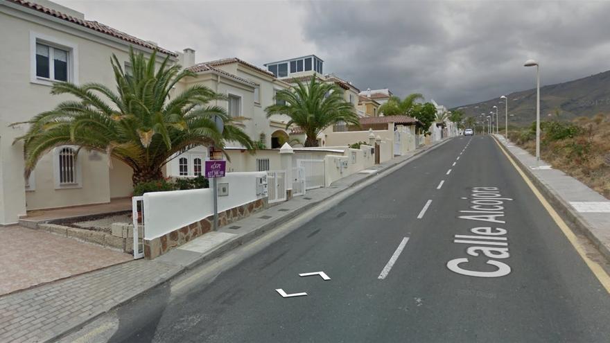 Calle Alcojora, en Adeje, en una imagen de Grafcan