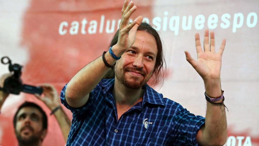 Pablo Iglesias luciendo una camisa de 198 en otra ocasón