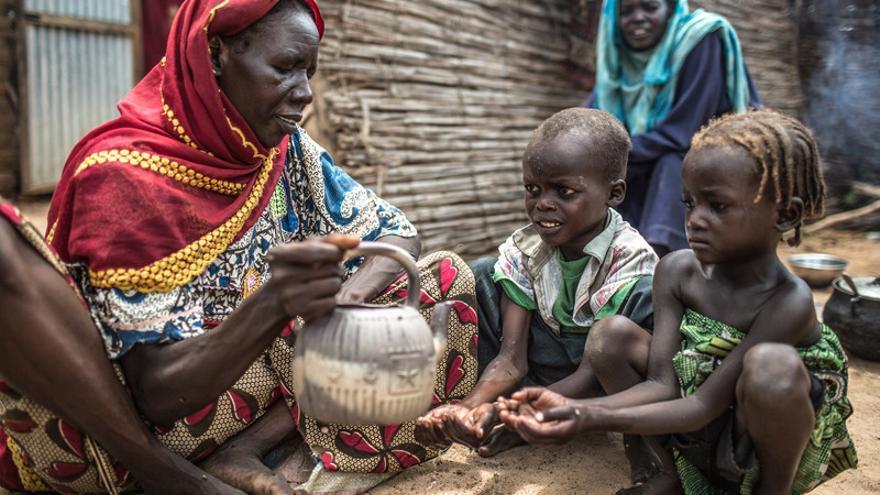 Maïmouna Souleymane Haddo tiene 48 años, vive en Dirbeye y trabaja como profesora de árabe en el colegio / FOTO: Pablo Tosco - Oxfam Intermón