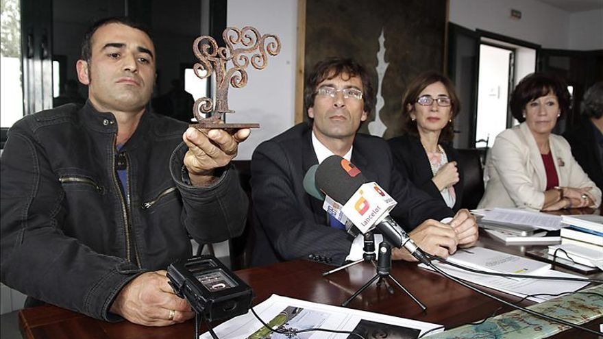 Un olivo de acero de cinco metros recordará a Saramago en Lanzarote